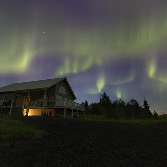 Aurora Boreale su Heimalnd guesthouse