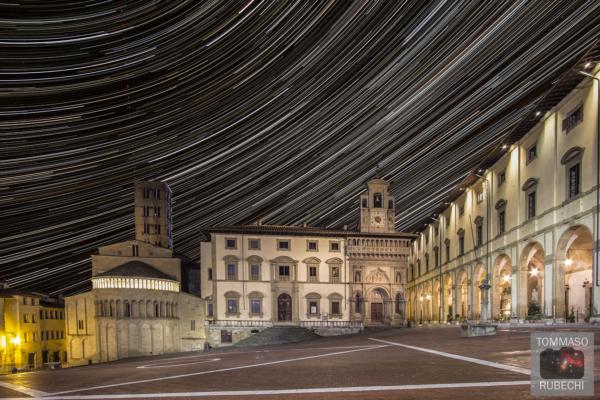 startrails in piazza grande (Arezzo)